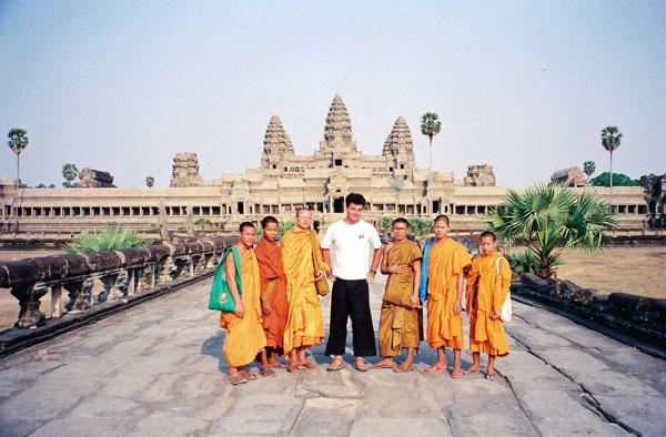 Photo avec des moines à Angkor