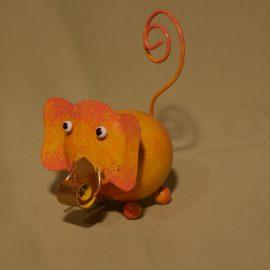 éléphant orangé