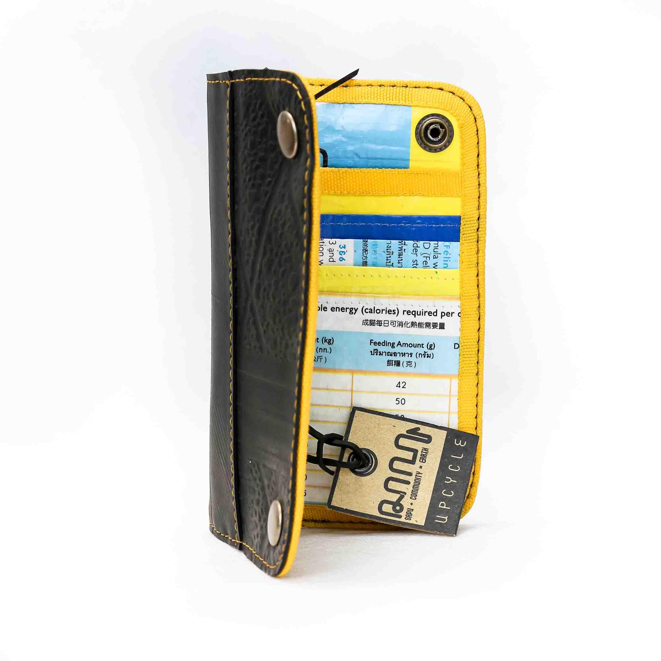 portefeuille à l'intérieur jaune